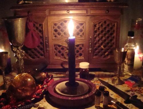 Nexus arcanum, evocazione, come evocare, come si evocano i demoni, evocazione goetica, goezia, teurgia, come evocare una divinità, come evocare uno spirito, l'evocazione èpericolosa, a cosa serve la purificazione le offerte servono per i riti, gli strumenti servono per i riti, sigilli, sigillazione, scrying, specchio nero, sfera i cristall, incenso magico, incenso devozionale, la magia delle candele, candele, candele hoodoo, hoodoo, come vestire le candele, come usare le candele durante un rituale, come fare magia con le candele